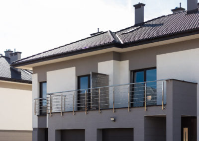 Przednia elewacja dwóch segmentów Home Premium z ul. Jutrzenki.